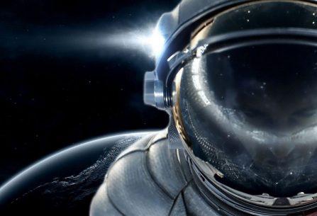 Lidstvo se dostalo na pokraj zániku a jeho jedinou nadějí je nebezpečné osídlení Marsu