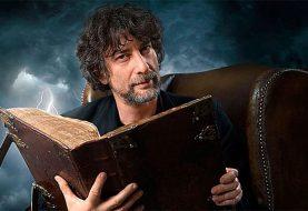 Neil Gaiman - otec Sandmana, Amerických bohů, Nikdykde i Dobrých znamení, který se objevil v Teorii velkého třesku i Simpsonových