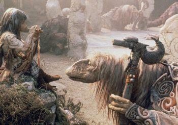 V Temném krystalu naleznete ponurou pohádkovou fantasy s poutavým příběhem a nádhernou výpravou, která rozhodně není pro děti