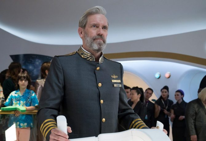 Avenue 5: první dojmy - bývalý doktor House pilotuje rádoby vtipný sci-fi seriál od HBO, který jen stěží úspěšně doletí k cíli